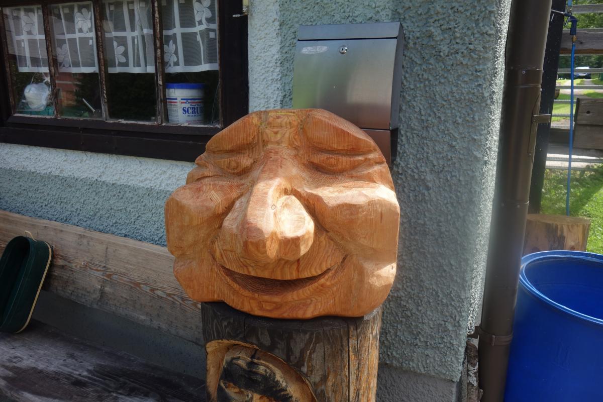 Kartoffelmann   Motorsägekunst von Karl Bauer